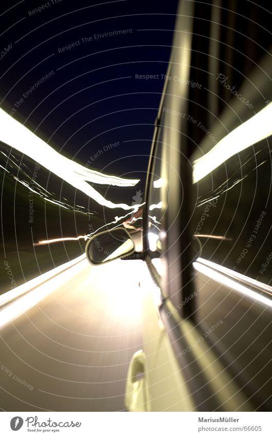 stadtfahrt mit vati Geschwindigkeit KFZ Straße Nacht Langzeitbelichtung Unschärfe Licht Stadtlicht Verkehr Verkehrswege Freude Kraft PKW rausch der sinne