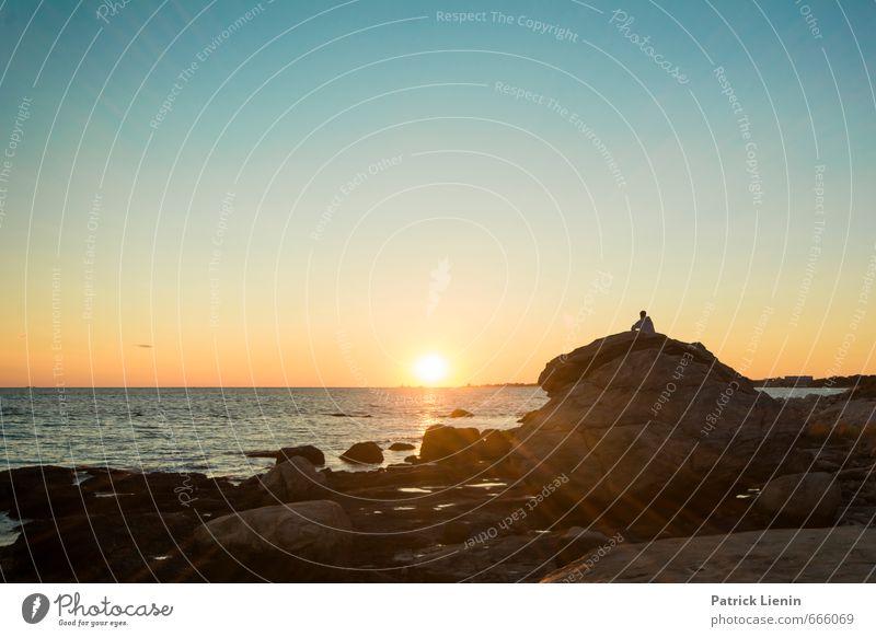 Ocean Stone Wohlgefühl Zufriedenheit Sinnesorgane Erholung ruhig Meditation Umwelt Natur Landschaft Urelemente Himmel nur Himmel Sonne Sonnenaufgang