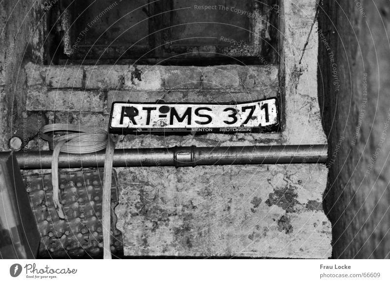 deep-down dunkel Schilder & Markierungen KFZ Garage Keller Kammer Nummernschild Kellerfenster