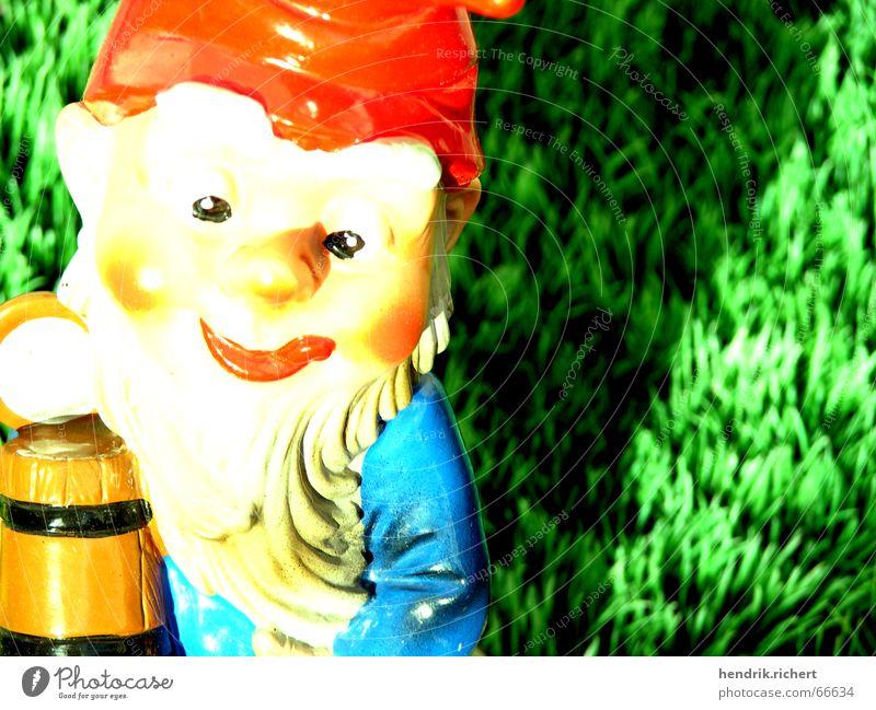 Bierzwerg Sonne Sommer Bier Zwerg Gartenzwerge Kunstrasen Krug