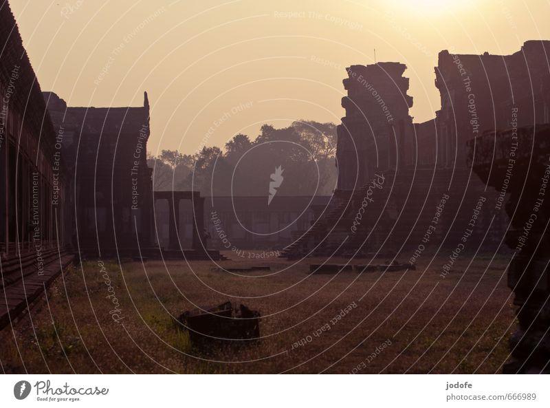 Early Morning Natur Ferien & Urlaub & Reisen Einsamkeit Landschaft Senior Reisefotografie Gebäude Religion & Glaube Stimmung Nebel Tourismus Vergänglichkeit geheimnisvoll Vergangenheit Verfall Tradition