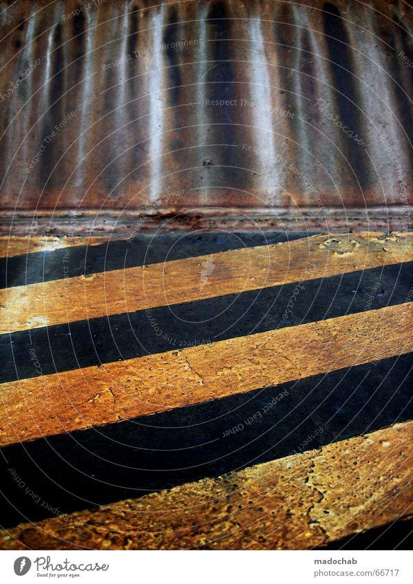 STRUKTURWANDEL schwarz gelb Linie Wellen Industriefotografie Rost schick Warnhinweis Datenübertragung