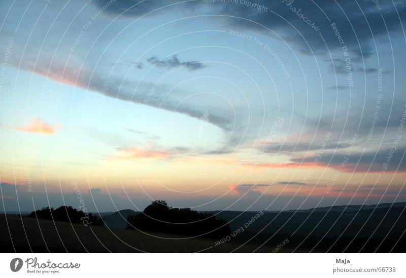 Sommerabend Wolken Sonnenuntergang Horizont Landschaft Abend Himmel blau Ferne