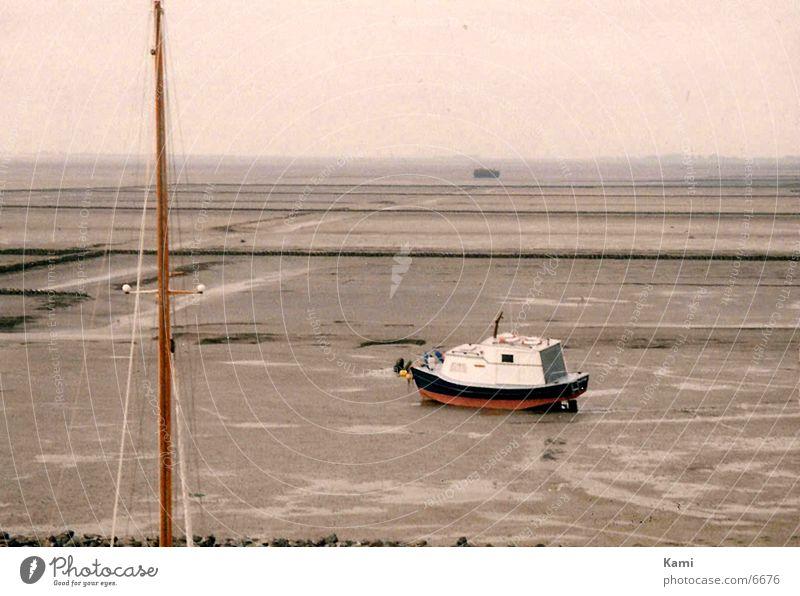 Einsamkeit Einsamkeit Traurigkeit Wasserfahrzeug leer Trauer trocken Flut Ebbe