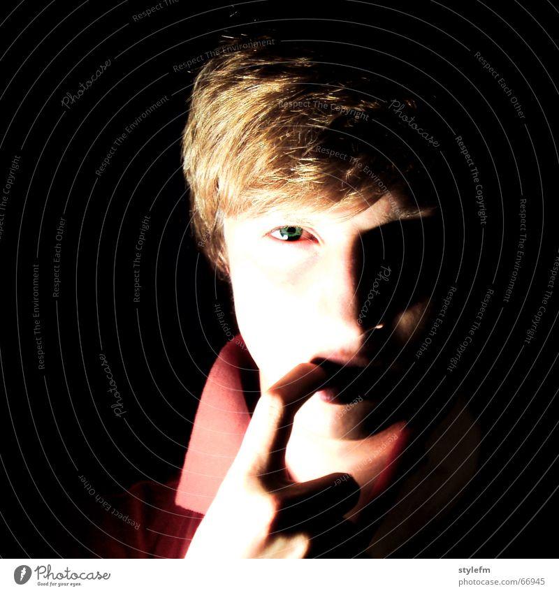soll ich ... Hand weiß grün rot schwarz dunkel grau Haare & Frisuren Mund blond Nase gold Finger niedlich bleich Schüchternheit