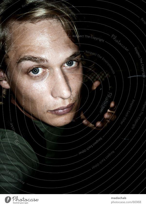 MADOCHAB | people mensch junge mann male person portrait typ Mensch Mann Jugendliche Gesicht Auge dunkel Leben blond Mund Nase Porträt festhalten Student unten Kopfhörer Typ