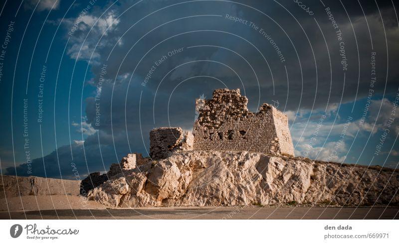 Römerruine Architektur Gewitterwolken Unwetter Wind Gipfel Insel Pag Menschenleer Burg oder Schloss Ruine Sehenswürdigkeit Wahrzeichen entdecken bedrohlich