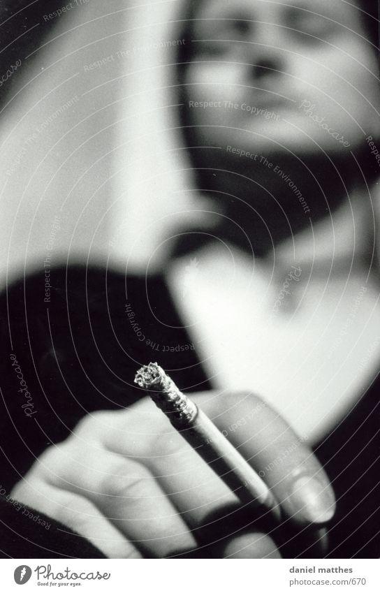 rauchzeichen Zigarette Frau Fototechnik Rauchen Mensch Schwarzweißfoto