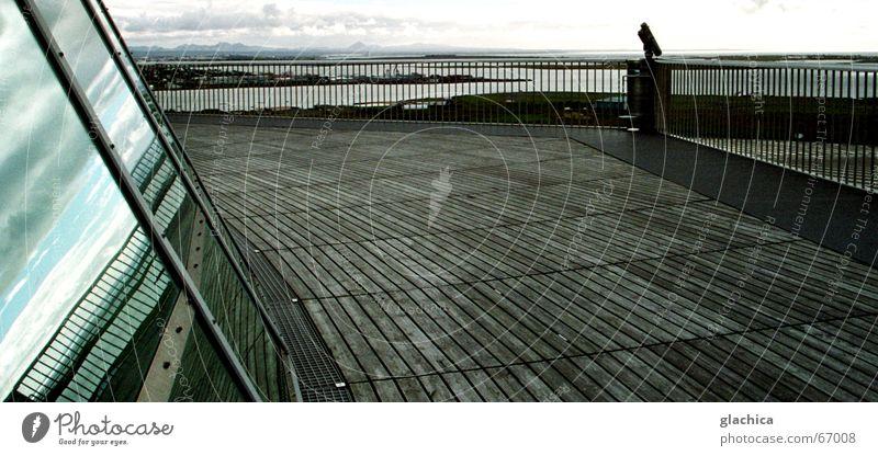 Himmel im Glas Spiegel Island Reykjavík weiß Fenster Wolken Steg Holz Dämmerung Sonnenuntergang Skulptur Reflexion & Spiegelung Holzmehl Landschaft blau Abend
