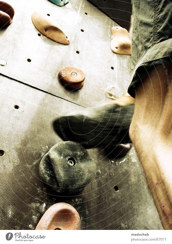 HIGHER AND HIGHER |sport climbing bergsteigen klettern muskeln Bergsteigen Bergsteiger Mensch Leben Gesundheit üben Ausdauer Klettern Mann Herr anstrengen