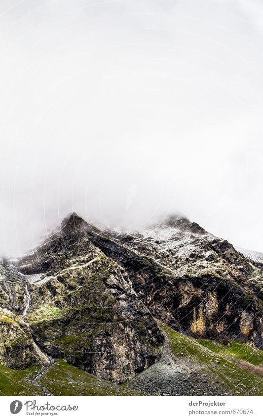 Der Berg ruft 03 Natur Ferien & Urlaub & Reisen grün Pflanze Sommer Landschaft Wolken Berge u. Gebirge Umwelt Gefühle Schnee grau Felsen braun Klima wandern
