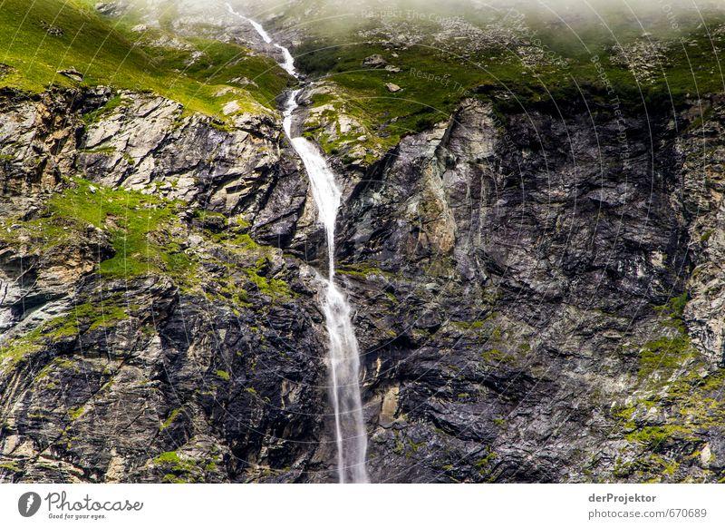 Wasserfall in den Bergen Umwelt Natur Landschaft Urelemente Sommer Moos Felsen Alpen Berge u. Gebirge ästhetisch nass natürlich Gefühle Mut Wahrheit Frankreich