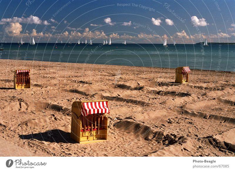 Sommer ade Meer Strand Ferien & Urlaub & Reisen Herbst See Trauer Ende Sehnsucht Segeln Ostsee vergangen Strandkorb Möwe Segelschiff Lachmöwe faulenzen