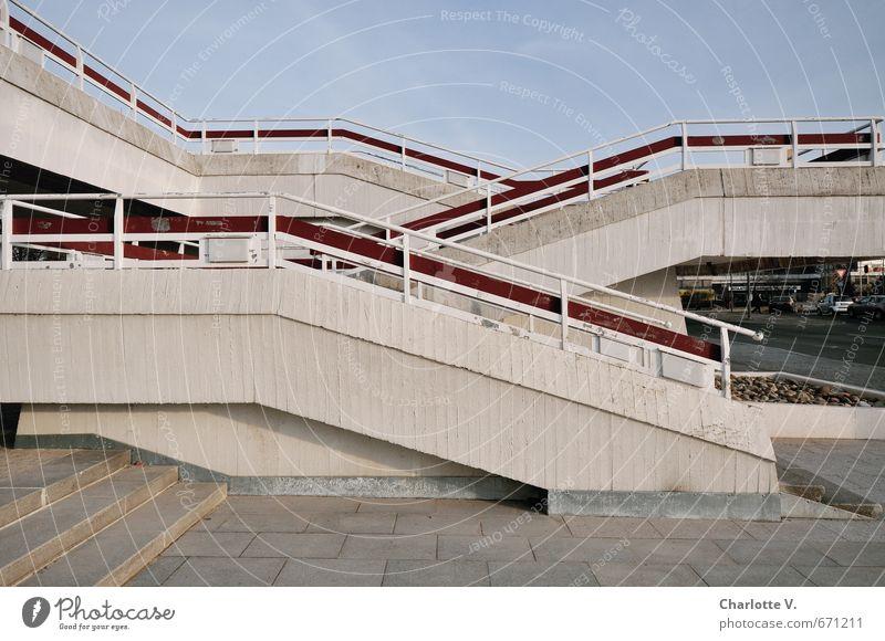 Treppauf, treppab blau Stadt ruhig Ferne Wege & Pfade Architektur Stil grau Treppe Design hoch ästhetisch Beton retro einzigartig planen