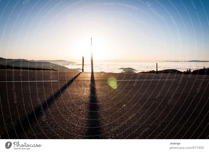 Straße Ausflug Abenteuer Ferne Wolkenloser Himmel Horizont Sommer Tal Wege & Pfade einfach schön Stimmung Aussicht Pass Farbfoto Außenaufnahme Menschenleer