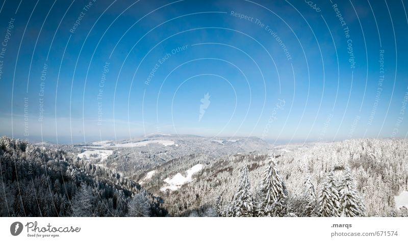 Panorama Ferien & Urlaub & Reisen Tourismus Ausflug Abenteuer Ferne Freiheit Natur Landschaft Wolkenloser Himmel Horizont Winter Schönes Wetter Wald Hügel