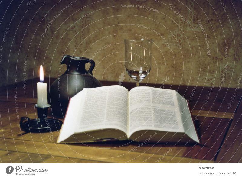 nature morte ruhig Erholung Denken Religion & Glaube Buch Glas Kerze Stillleben Bibel Krug