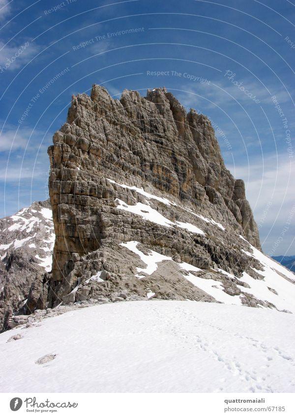 Cima Ceda Dolomiten Gipfel massiv Bergsteigen alpin steil brenta molveno Alpen Felsen cima ceda Schnee Berge u. Gebirge brenta-dolomiten Klettern schneefeld