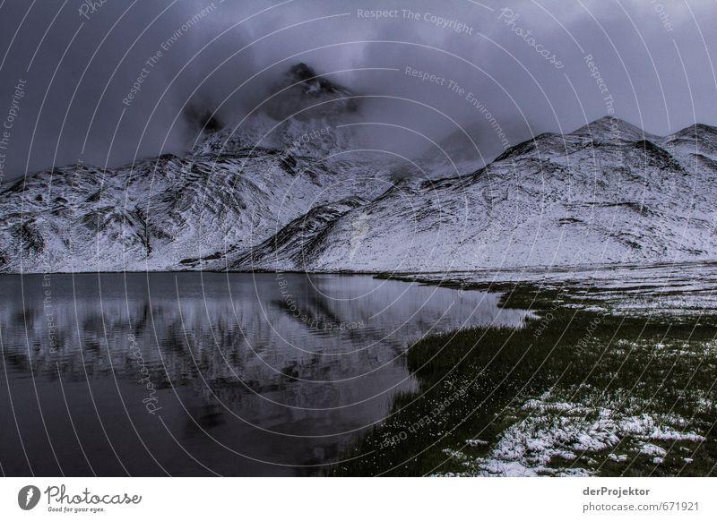 Der Berg ruft 16 – mir ist aber zu kalt Natur Pflanze Sommer Landschaft Ferne Berge u. Gebirge Umwelt Gefühle Schnee Freiheit See Felsen Stimmung Nebel