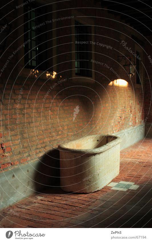 yardbath alt Wand Mauer Bad Italien Bauernhof Backstein leicht Entf Dose Venedig