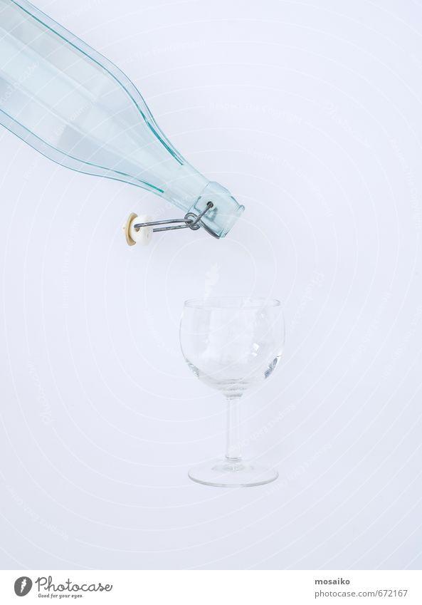 Bottle and glass Getränk Lifestyle Stil Design Sommer Restaurant ausgehen Wasser Armut einfach Flüssigkeit frisch dünn blau weiß Erwartung Krise rein Wein