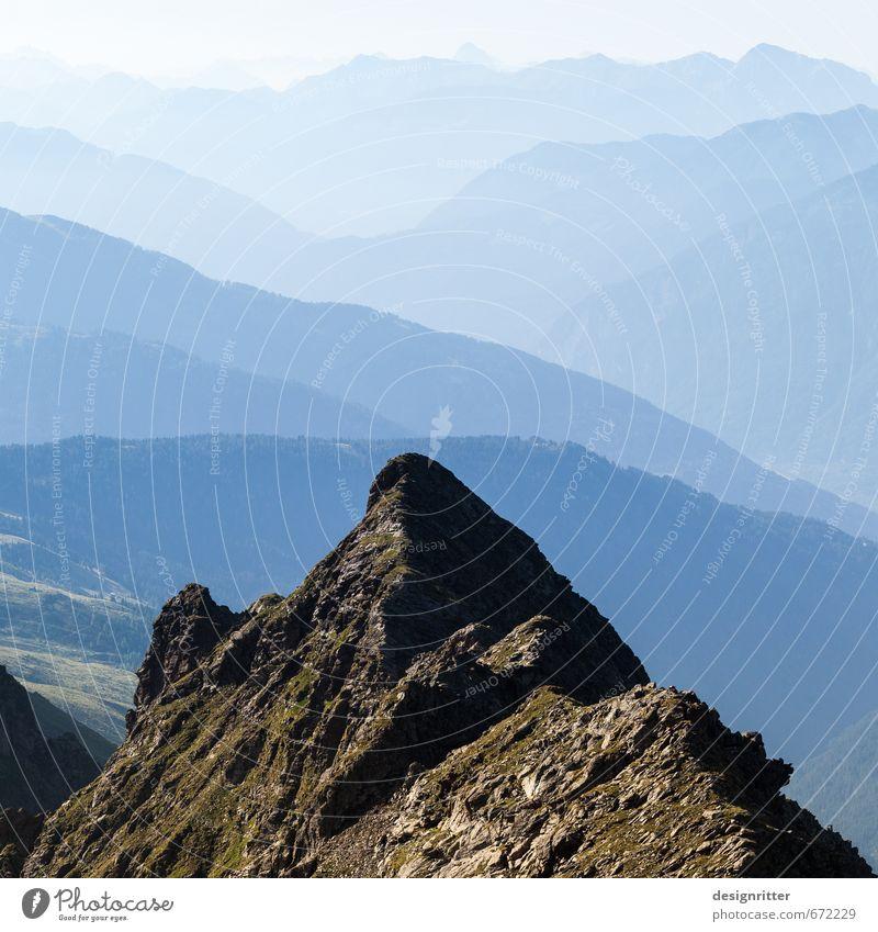 Höhe und Tiefe Himmel Ferien & Urlaub & Reisen blau Sommer Einsamkeit Ferne Berge u. Gebirge oben Felsen Horizont wandern Erfolg ästhetisch hoch Klima