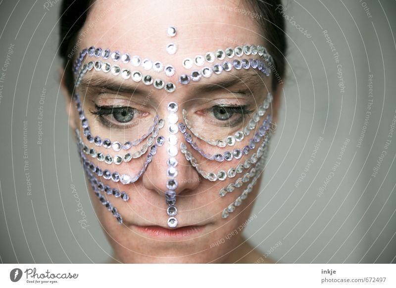 being precious Lifestyle Reichtum elegant Stil exotisch schön Gesicht Freizeit & Hobby Frau Erwachsene Leben 1 Mensch 30-45 Jahre Schmuck Maske
