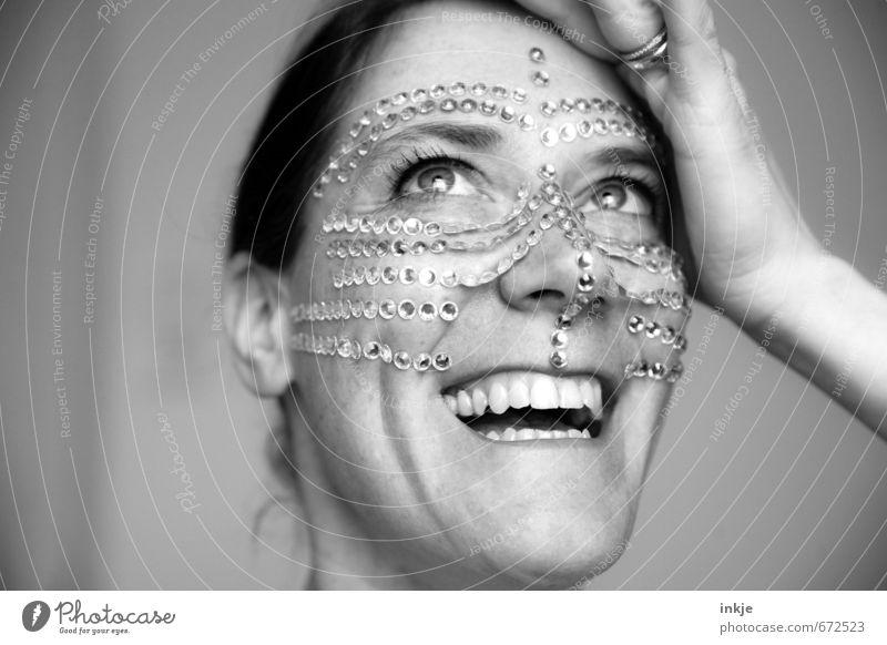 feeling precious Mensch Frau schön Freude Gesicht Erwachsene Leben Gefühle feminin lachen Stil außergewöhnlich elegant Lifestyle Lächeln Fröhlichkeit