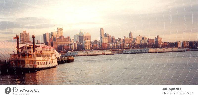 New York Himmel blau Wasser Baum rot Sonne Meer Blume Farbe Wolken Haus gelb Garten braun Wasserfahrzeug orange