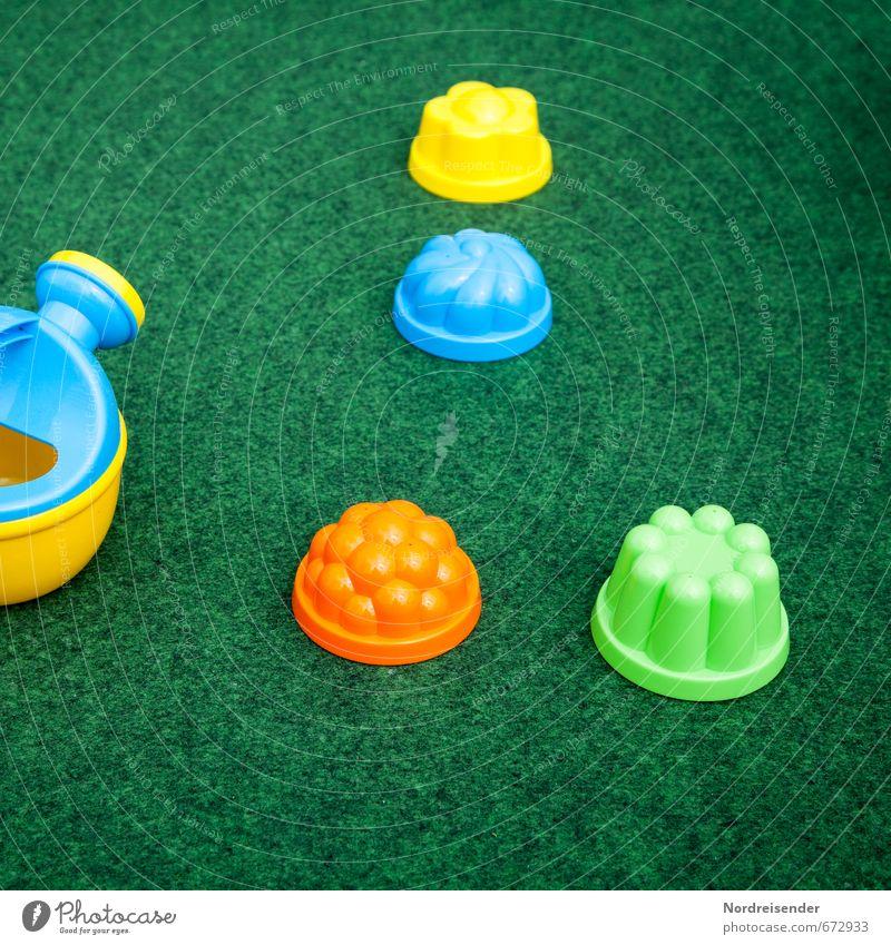 Kinderkram.... Spielen Kindererziehung Kindergarten Spielzeug Gießkanne Kunststoff Freundlichkeit mehrfarbig Farbe Freude Sandspielzeug Teppich