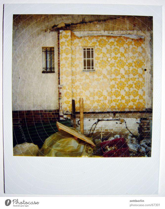 Polaroid IV Himmel Haus Wolken Wiese Fenster Tapete Ackerbau Demontage