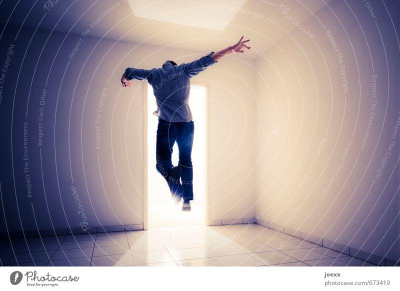 Übergang III Mensch Mann blau weiß schwarz Erwachsene Wand Bewegung Mauer hell springen braun träumen Kraft Hoffnung Ziel