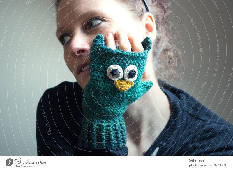 Waldeule Körper Haare & Frisuren Haut Gesicht Freizeit & Hobby Handarbeit Mensch feminin Frau Erwachsene Auge Ohr Nase Mund Finger 1 Handschuhe Fröhlichkeit