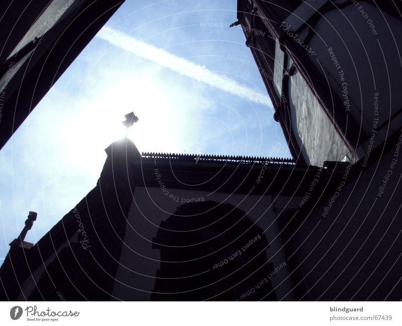 Look Into The Light (Q) Gegenlicht Römerberg Frankfurt am Main quer Mauer alt Mittelalter Museum Sonne Himmel Turm