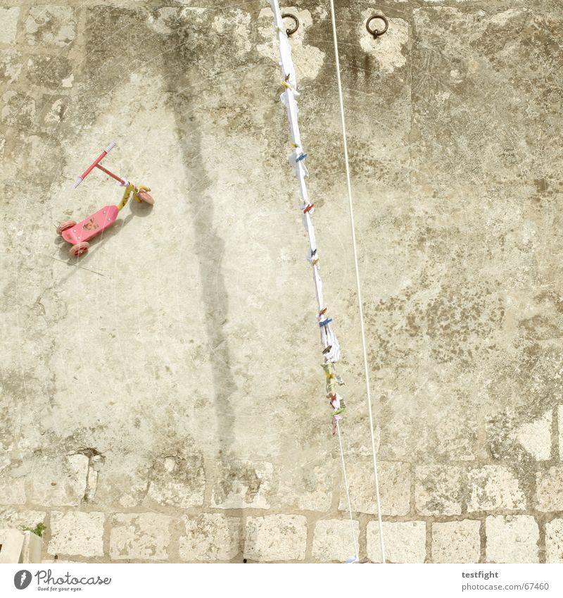 auf den dächern Sommer Ferien & Urlaub & Reisen Erholung Bodenbelag Spielzeug Kindheit Wäsche Wäscheleine Kroatien Tretroller kindlich Dubrovnik