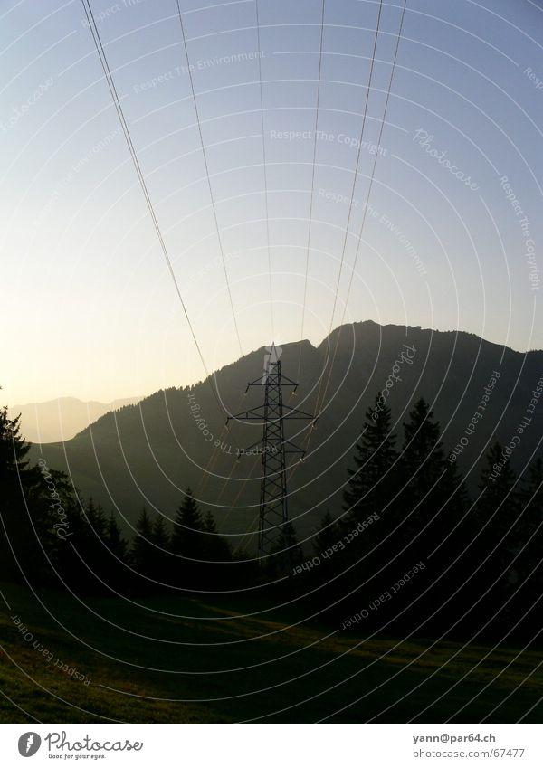 Naturstrom_1 Berge u. Gebirge Elektrizität Schweiz Strommast Stromtransport