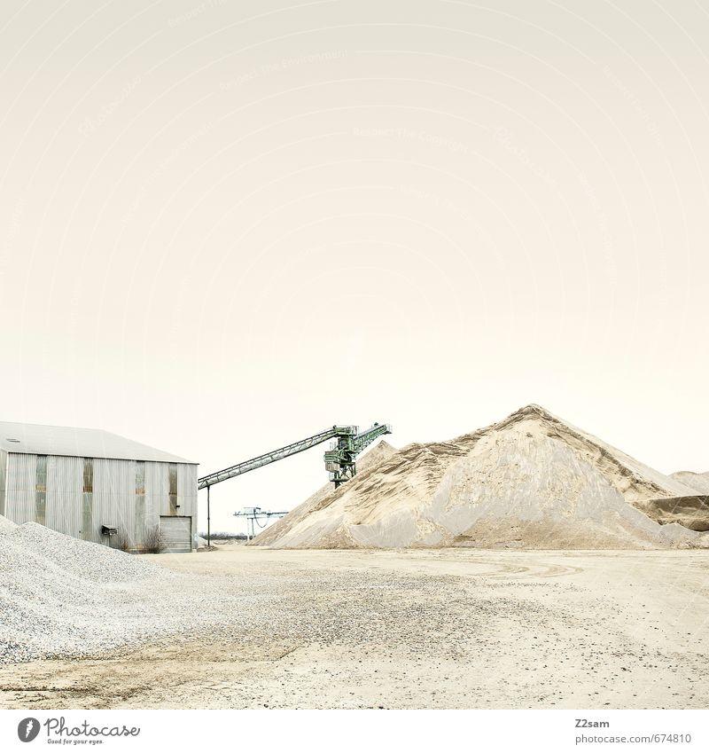 Industrieromantik 5 Baustelle Erde Sand Himmel Hügel See Architektur Kran Förderband dreckig trashig ruhig Einsamkeit elegant Fortschritt