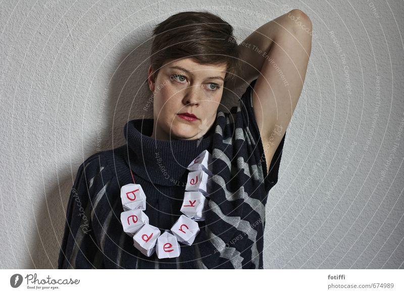 bedenkenträger I Mensch Frau blau Gesicht Erwachsene feminin nachdenklich Kraft Zukunft Streifen Papier Hoffnung Sehnsucht tragen Willensstärke anhaben