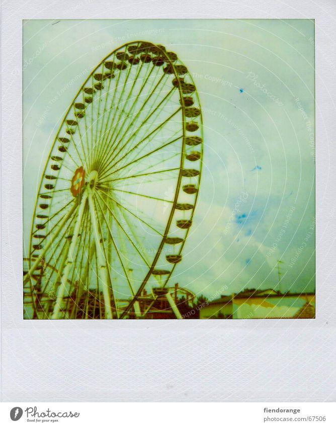 fun fair 2 Ferien & Urlaub & Reisen Sommer Freude Wolken Freizeit & Hobby Riesenrad Unbekümmertheit Wochenende Vergnügungspark Karussell