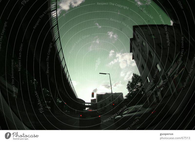 { sky in my eyes } Haus Verkehrsstau Berufsverkehr durch glas Straße PKW Mischung Brücke citylife im auto go with the flow Abend through glass street road car