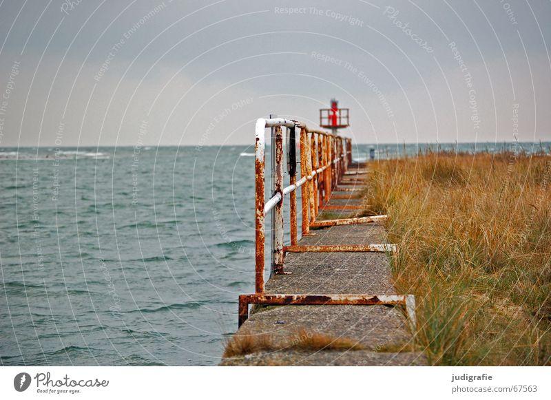 Verlassen Natur Wasser schön Himmel Meer Einsamkeit Farbe kalt Gras See Beton Hafen Vergänglichkeit verfallen Rost schäbig