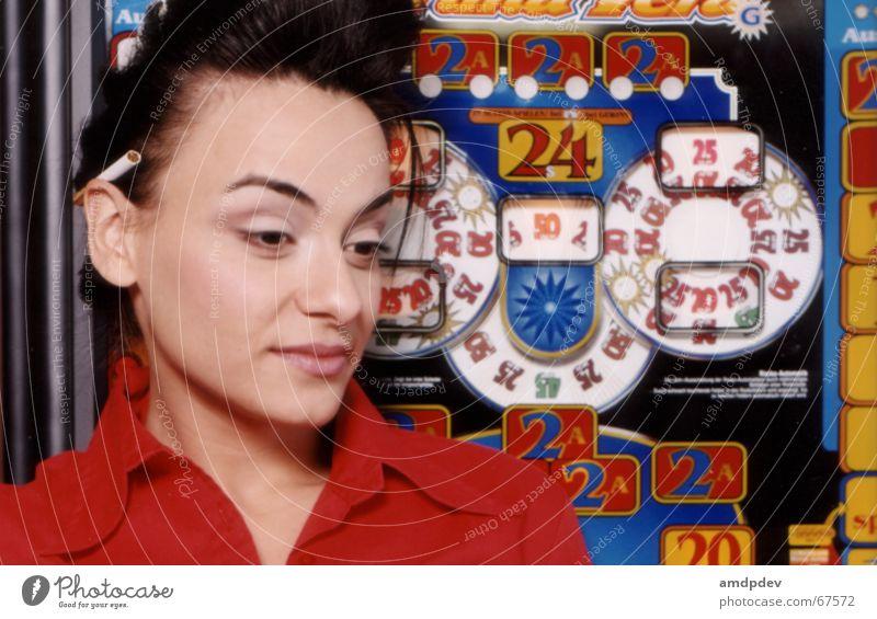thedev Frau Zigarette Automat Neonlicht rot Ziffern & Zahlen Hemd Geschwindigkeit Mund Auge Ohr gefährlich elvis Glück Popper