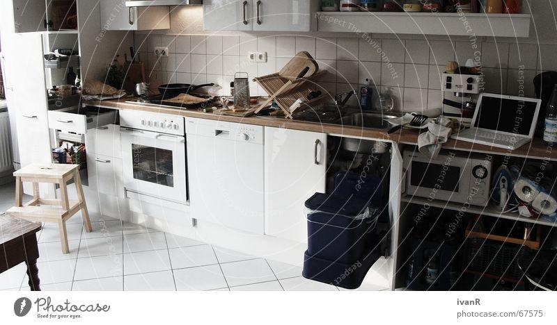 auf den punkt gegart Küche weiß unordentlich kochen & garen chaotisch Topf dreckig Stress Innenaufnahme Freude experimentierfreudigkeit