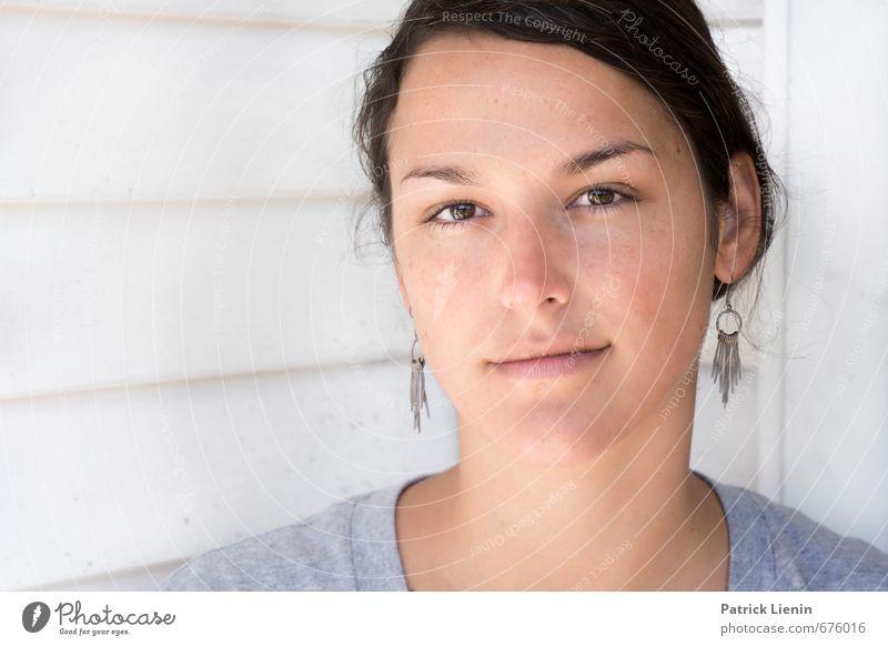 Carmen Mensch Frau Jugendliche schön Erholung ruhig 18-30 Jahre Gesicht Erwachsene Auge Leben Gefühle feminin Gesundheit Glück Haare & Frisuren
