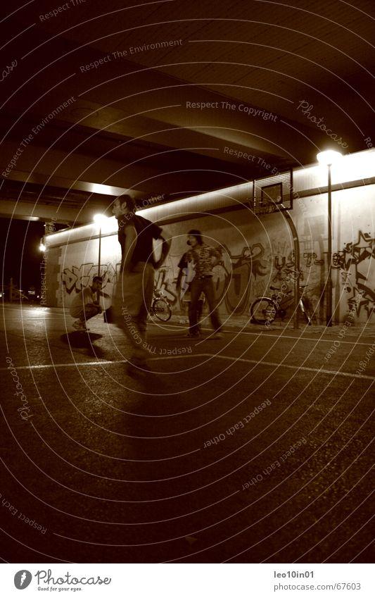 StreetStyle National Basketball Association Sport Lifestyle Spalding Straßenkunst Schweiß springen transpirieren Nacht Nachtaufnahme spät 3 Frankfurt am Main