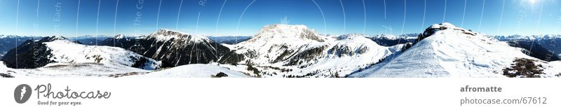 360° Berge Ferne Winter Schnee Berge u. Gebirge Wintersport Skipiste Landschaft Wolkenloser Himmel Horizont Sonne Schönes Wetter Alpen Gipfel