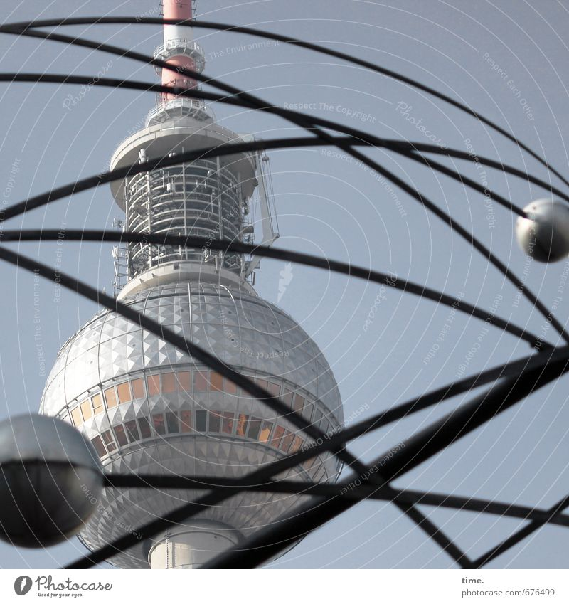 Zeitfenster Messinstrument Uhr Technik & Technologie Informationstechnologie Kunst Kunstwerk Skulptur nur Himmel Berlin Berliner Fernsehturm Weltzeituhr Turm