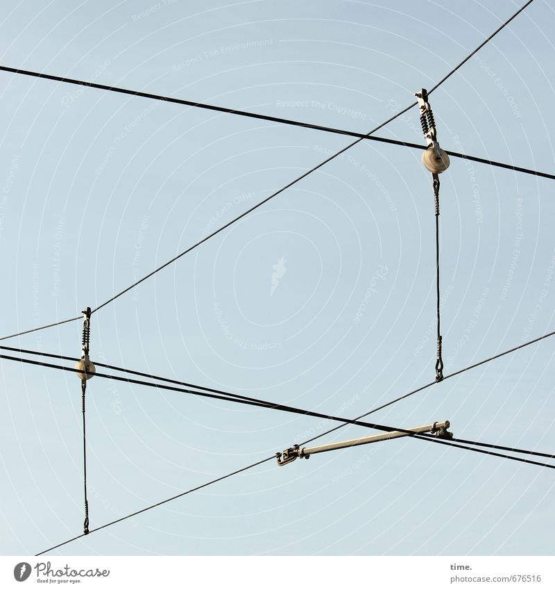 Leitungsebene (II) Technik & Technologie Energiewirtschaft Oberleitung Kabel Himmel Verkehr Verkehrsmittel Verkehrswege Öffentlicher Personennahverkehr