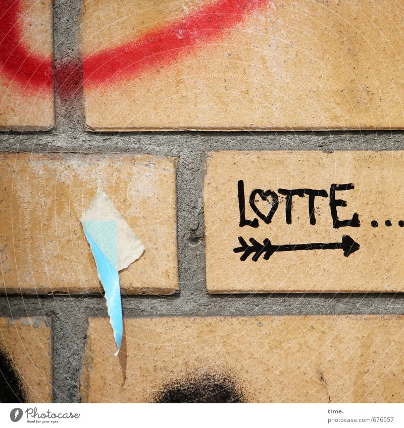 Analognavi Stadt Wand Graffiti Leben Mauer klein Stein Linie Fassade Schilder & Markierungen authentisch Schriftzeichen Herz Vergänglichkeit Papier