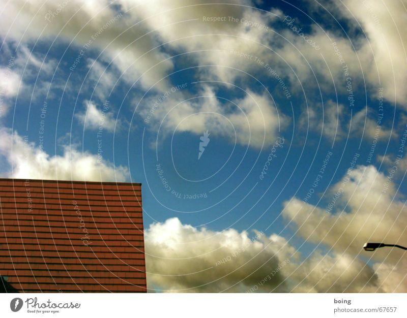 Die Apotheke blau Sommer Wolken 3 Dach Backstein Laterne Handwerk Dachdecker